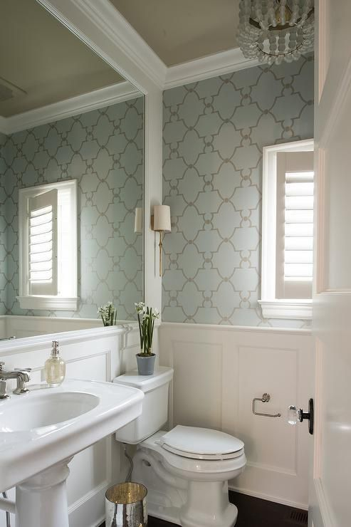Silver and blue trellis wallpaper