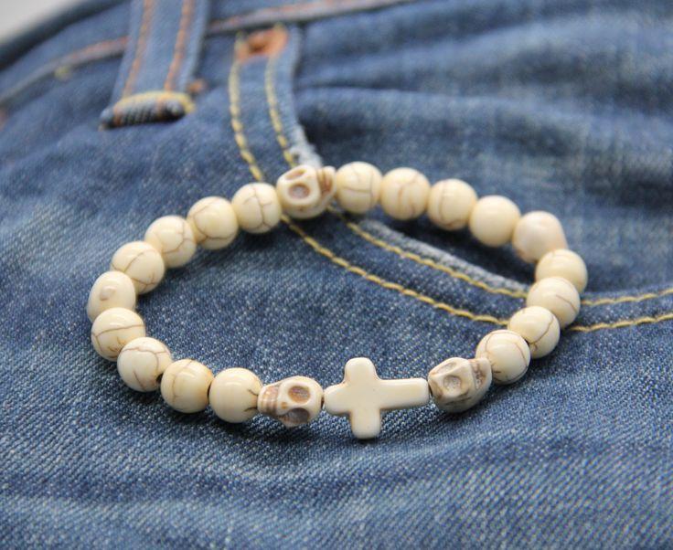 bracelet homme croix perles et skulls couleur os : Bijoux pour hommes par made-with-love-in-aiacciu