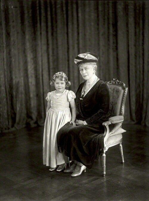 369 Best Queen Elizabeth Ii Of England And Her Family