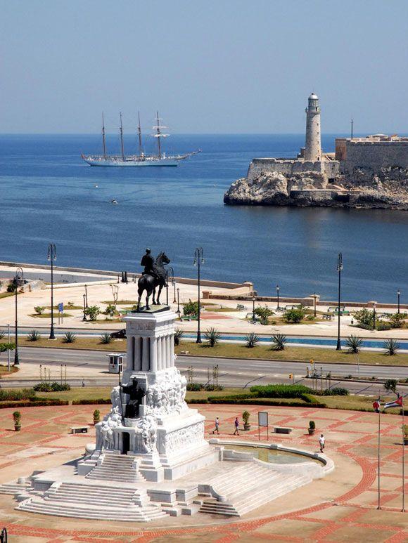 Beautiful view of the monument Antonio Maceo andThe Morro Havana
