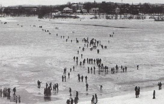 ~ Ohio River Louisville Ky. Frozen 1977 ~ the year I was pregnant with Leslie