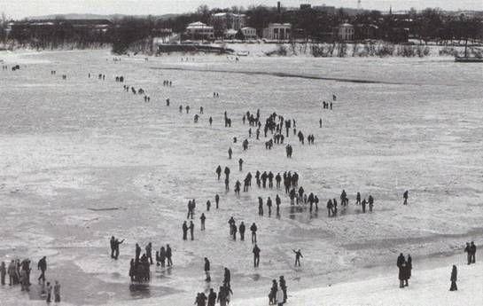 ~ Ohio River Louisville Ky. Frozen 1977