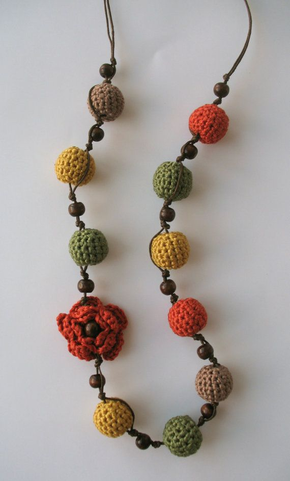 Autumn tenderness crochet necklace More