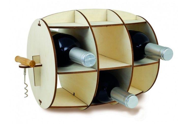 De Wine Barrel - Wine Rack van Invotis! Dit wijnrek zal iets extra's toevoegen in uw huis. Het houten rek is gemaakt in de vorm van een vat. Er zijn vakken in gemaakt wat plek geeft voor 6 flessen. Het wijnrek heeft een moderne uitstraling en is mooi afgewerkt. #wijnrek #cadeau #mannen #sinterklaascadeau #kerstcadeau #verjaardagscadeau #gadget #vaderdag