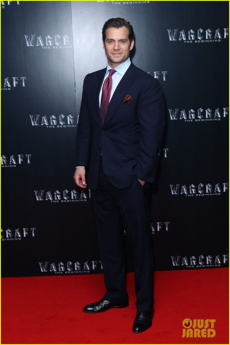 Henry Cavill Supports 'Warcraft' Cast at London Screening