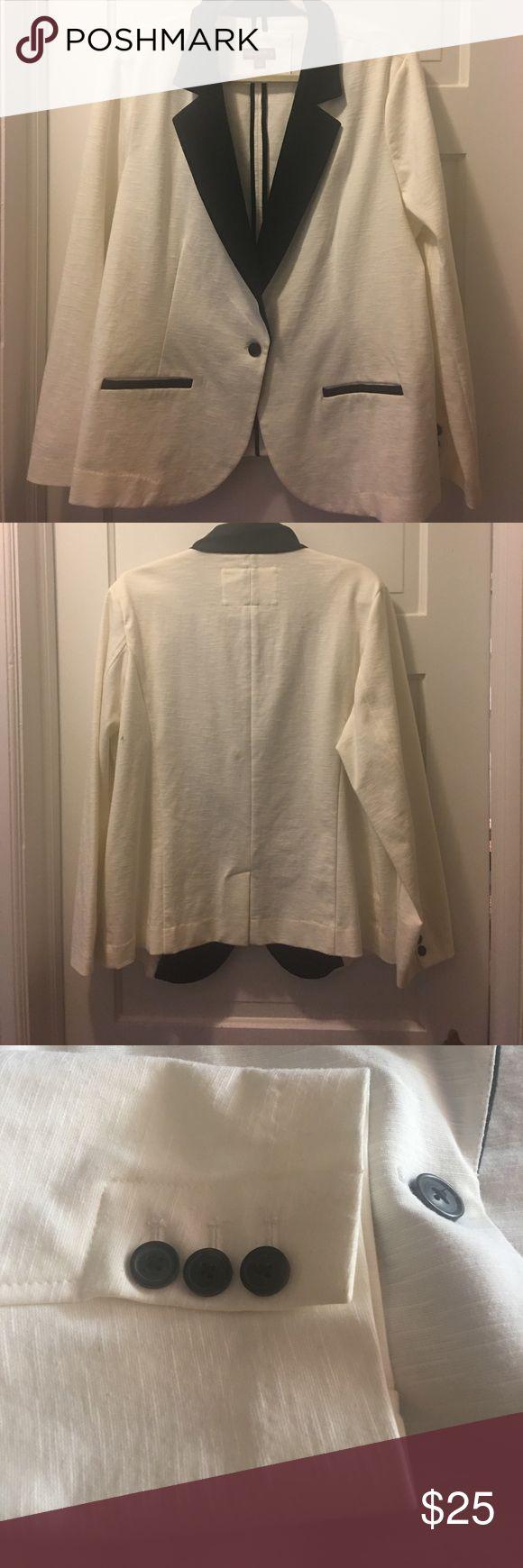 NWOT off white and black blazer NWOT off white and black blazer!  Stretchy material! Merona Jackets & Coats Blazers