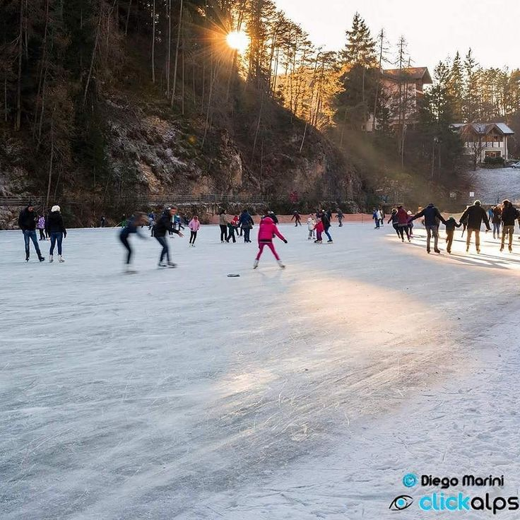 Buongiorno! Da oggi si può ufficialmente pattinare nella splendida cornice del lago Smeraldo! #mybelsoggiorno #valdinon #goodnews