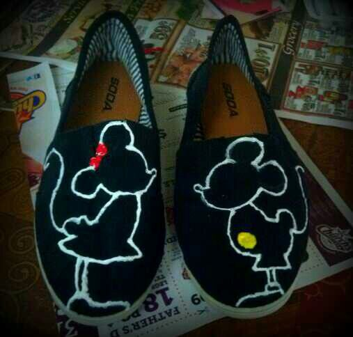 DIY Mickey and Minnie shoes? Black canvas shoes and fabric paint.  So in love:)