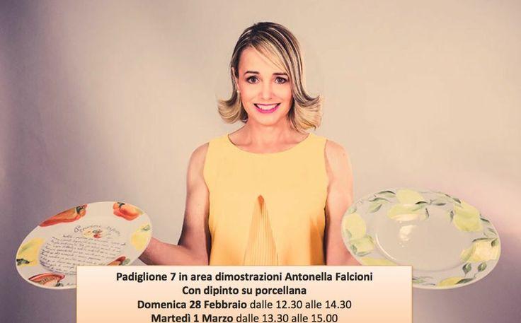 """Antonella Falcioni on Twitter: """"@Golositalia_ dipinto su porcellana area dim. Pad 7  Il 28 Febdalle 12.30 alle 14.30 e 1 Mardalle 13.30 alle 15.00 https://t.co/8RWz83bH50"""""""