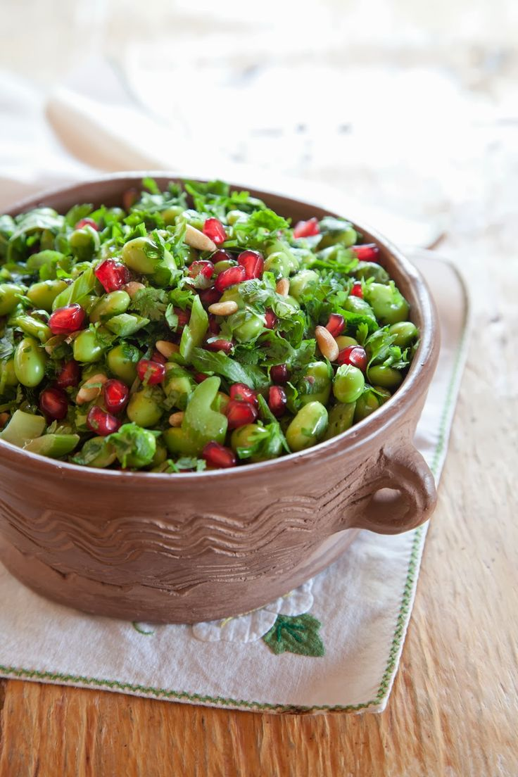 Ma Blogeria: ~~ סלט אדממה בעשבי תיבול, רימונים וצנוברים ברוטב לימון ודבש~~) Ma Blogeria: ~~ Edamame salad with herbs, pomegranate and pine nuts and honey lemon sauce