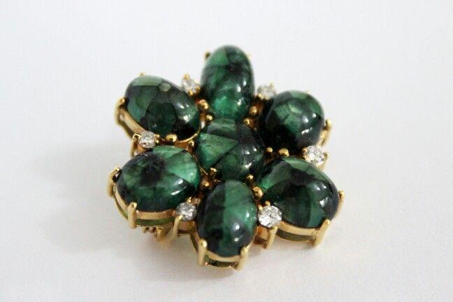 Broche con esmeraldas trapiches. Hermosas piedras exóticas