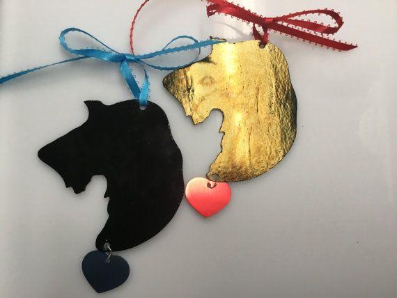 Ruwharige teckel silhouet Ornament in gekleurd glas