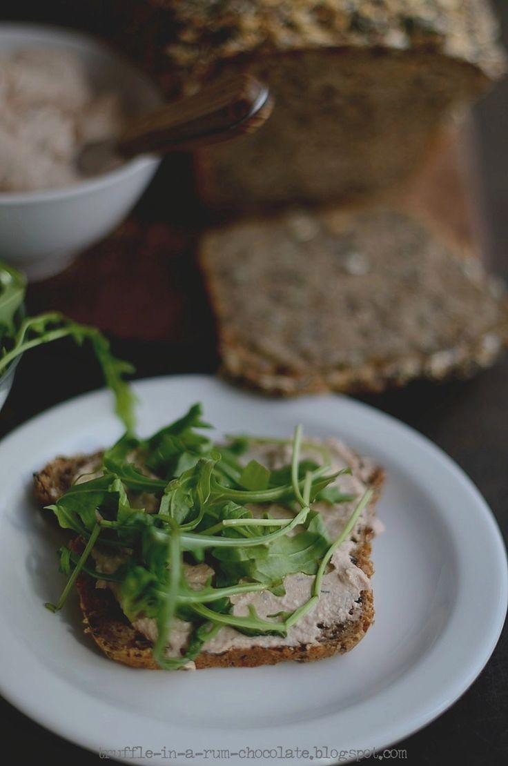 Trufla: Lekka, kremowa pasta łososiowo-twarogowa.