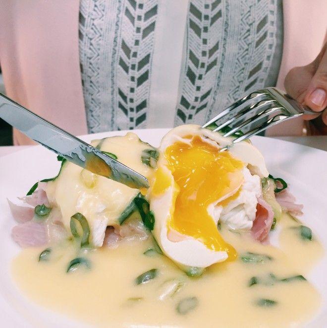 Uova alla benedict   Un'americana in cucina