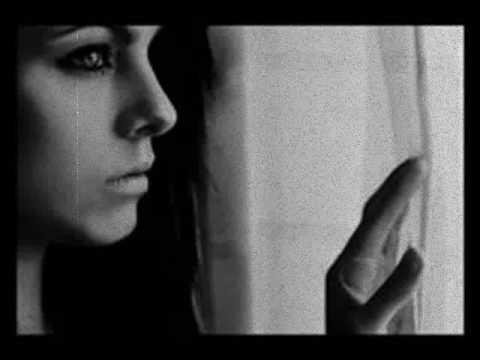 """La Extraña Pareja - Ismael Serrano   """"brindemos por el amor y sus fracasos""""....""""el amor es eterno mientras dura"""" <3"""