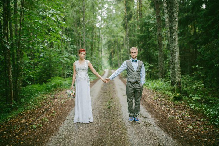 A beautiful wedding in the woods - www.sandrapalm.com