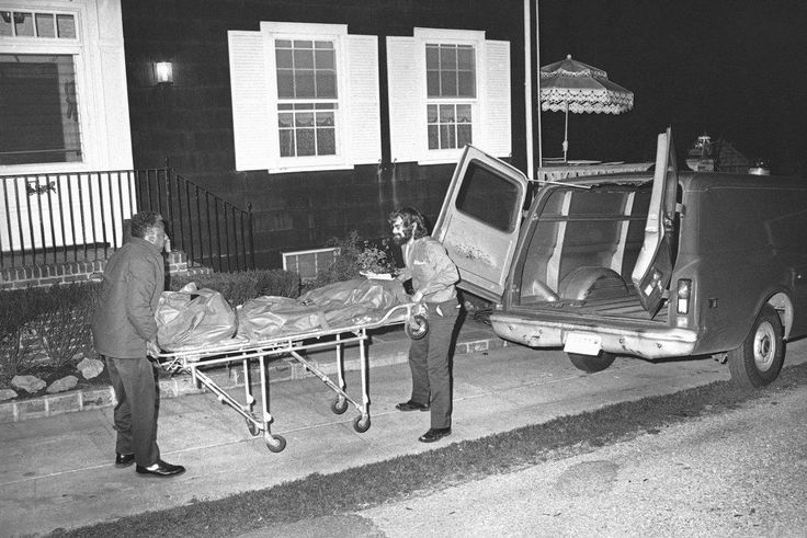 Police found six bodies of the DeFeo family home in 1974 after Ronald DeFeo Jr. ran into a bar to make it known his parents were shot. (RED/ASSOCIATED PRESS)