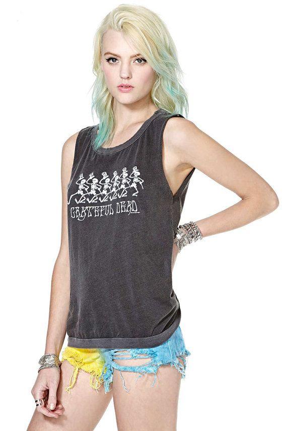 Punk Vintage Skull TShirt von GrungeMelly auf Etsy