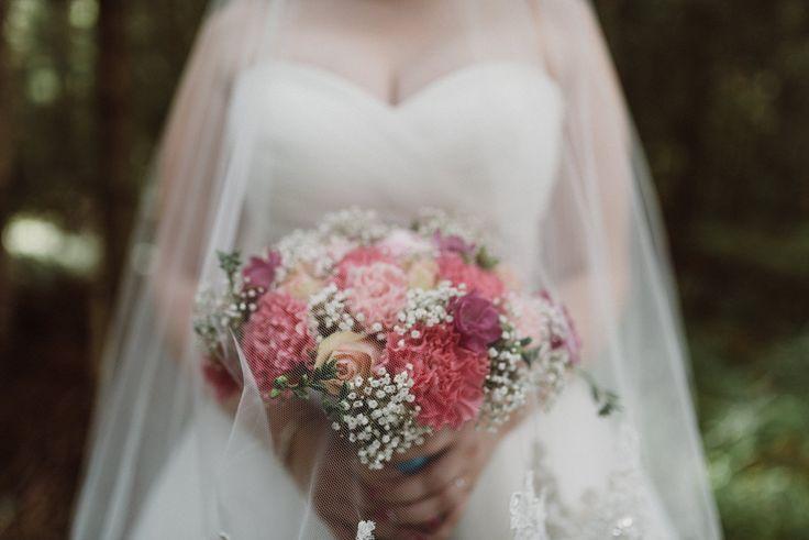 Bridal Bouquet  | Scandinavian wedding | Pitsiniekka | Picture by Jaakko Sorvisto www.jaakkosorvisto.com