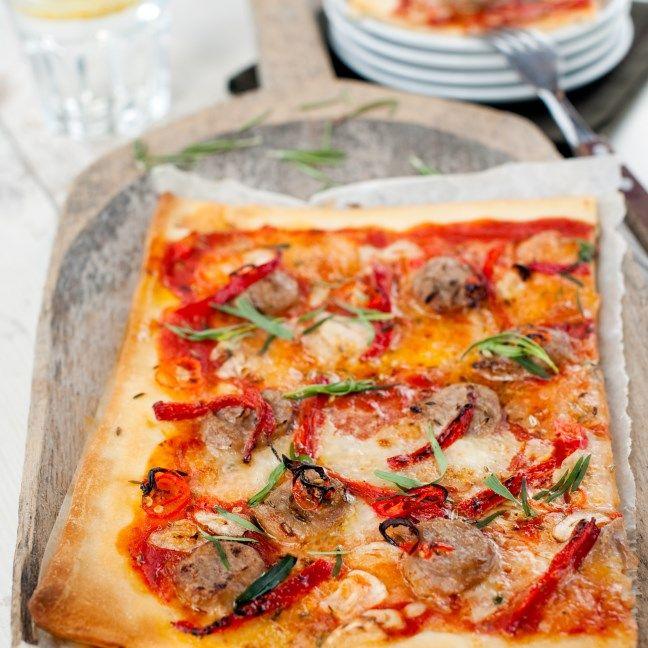 TFPizza Salsiccia met rode pepers en chili olie