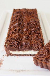 Mascarpone koffiegebak - De frisse en romige mascarpone heeft een zachte en delicate smaak die heel goed combineert met de rijke koffie-chocoladeganache.
