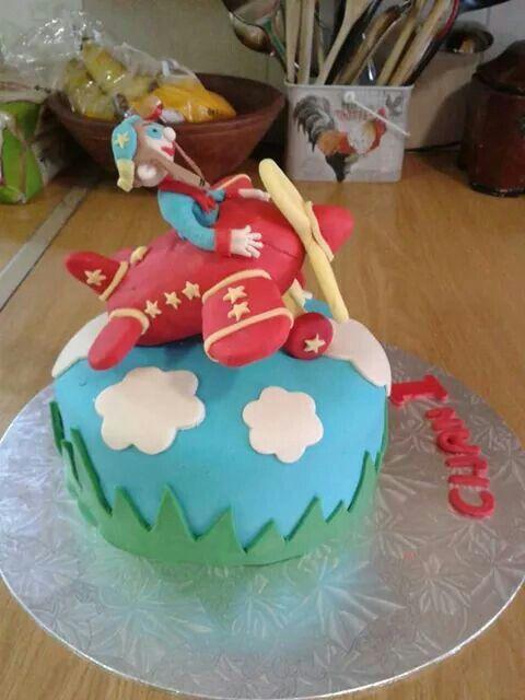 Aeroplane fondant cake