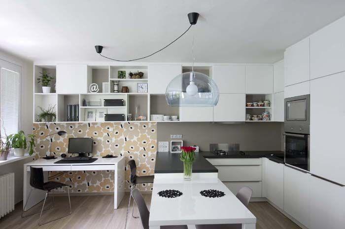 Byt Praha 4 - propojení kuchyňského koutu a pracovní zóny