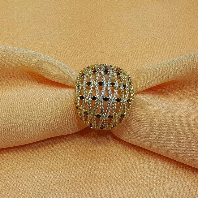 مجوهرات بيرودت On Instagram خاتم ذهب ايطالي مع زركون ملون عيار 18 Fashion Rings Fancy Rings Gold Bangles Design