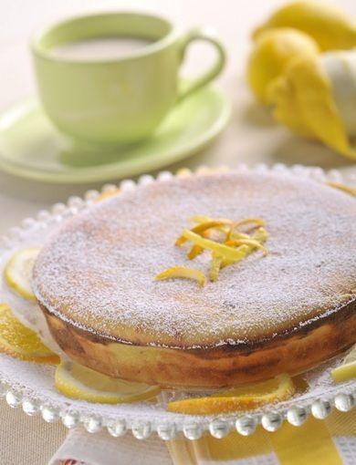 Tarta simpla cu branza este un desert rapid, foarte gustos, pe placul tuturos. Nu are cum sa nu-ti iasa, nu are cum sa nu te indragostesti de aceasta prajitura.