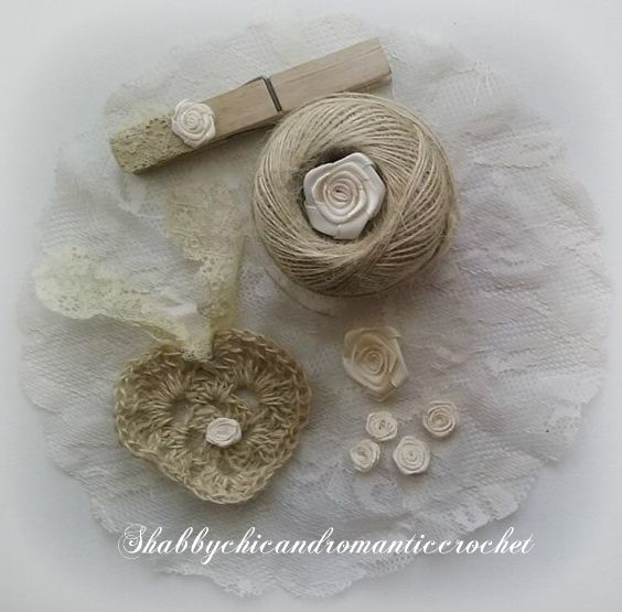 Shabby chic crochet heart made with twine - Cuore uncinetto shabby chic in spago