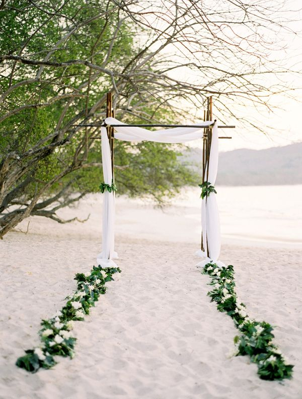 simple beach wedding ceremony decor photo jose villa