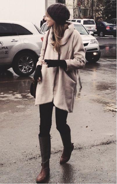Taylor Swift's winter fashion     #hollywood #fashion #taylorswift