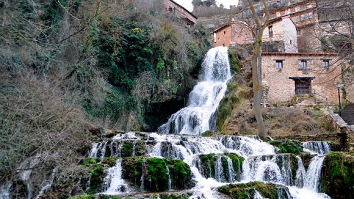 Imagen de la cascada de Orbaneja del Castillo - Burgos - Foto: Burgosconecta