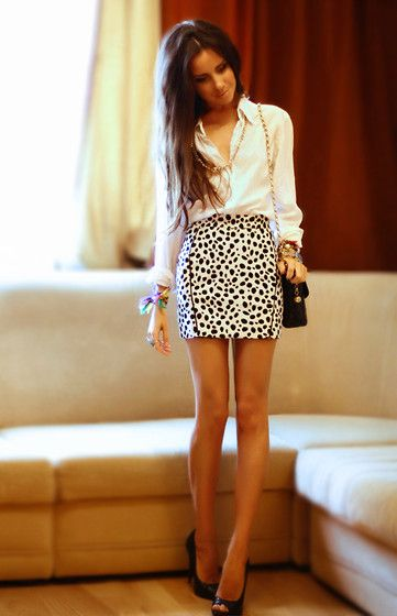 Oxford and skirt: Leopards Skirts, Fashion, Style, Shirts, Clothing, White, Black Heels, Animal Prints, Work Outfit