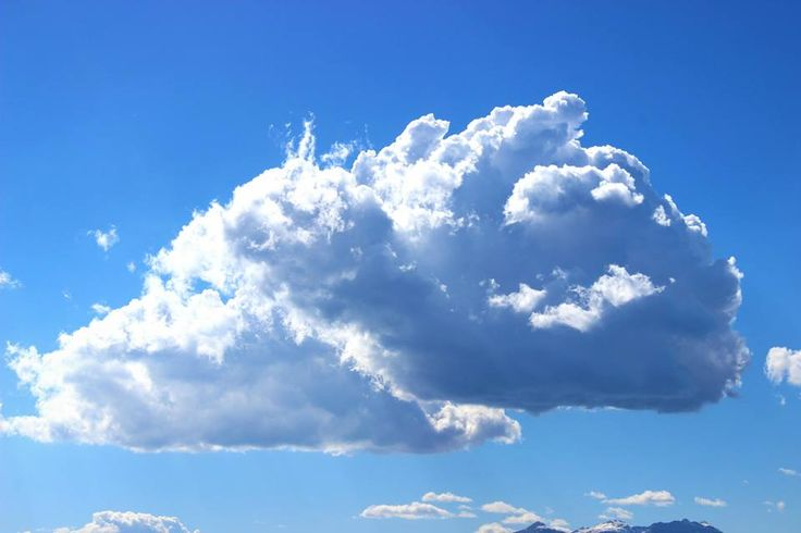 travelling cloud -- photo by Evi Tselempi