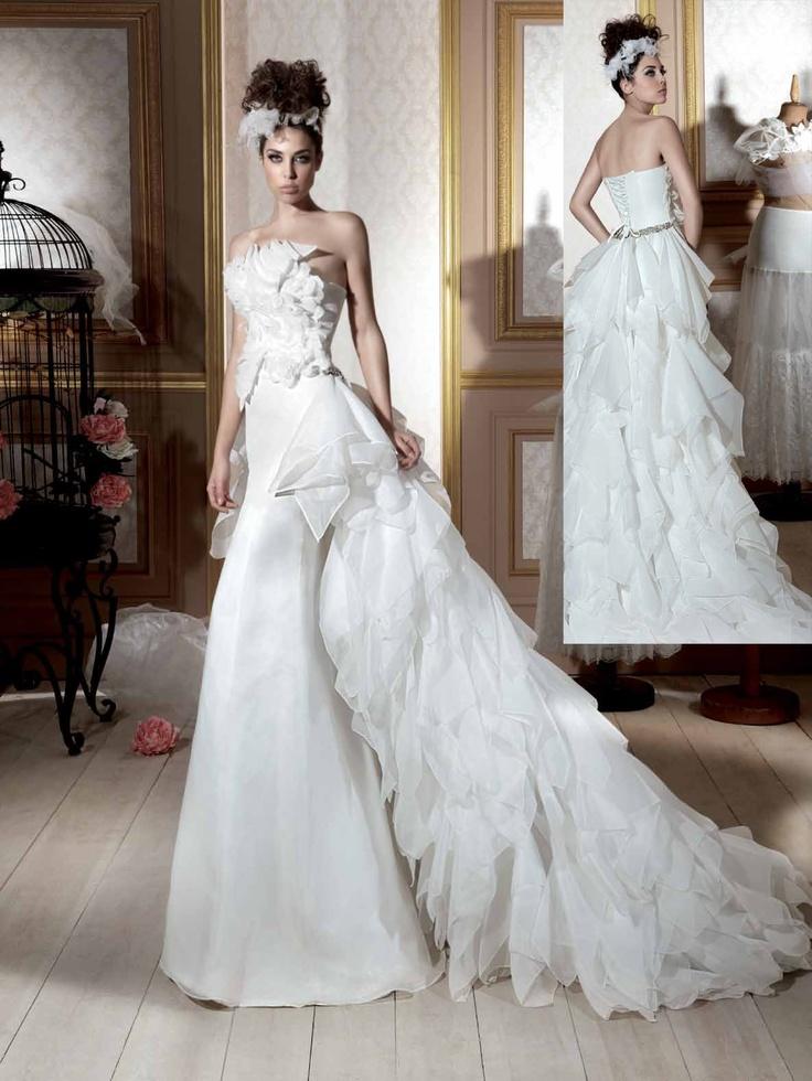 A gorgeous dress by Maria Karin