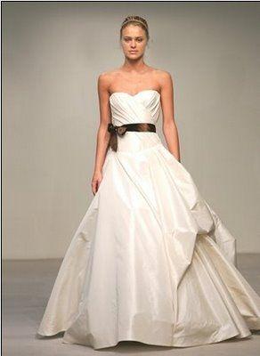 <3 Vera Wang: Vera Wang, Verawang, Wedding Dressses, White Wedding Dresses, Wedding Gowns, Shorts Wedding Dresses, Dreams Dresses, Simple Wedding, Future Wedding