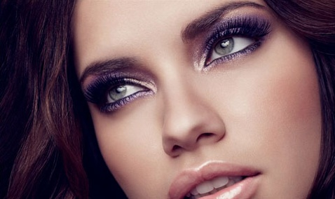 Adriana Lima makeup for all the New Year's Eve parties you're gonna go to! ;)