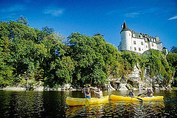 Dans la vallée de la Dordogne, découvrez le Camping Les Granges idéalement situé au bord du Lot pour des excursions en kayak  🚣  et à deux pas de quelques uns des plus beaux villages 🏘  de France :  Saint-Cirq-Lapopie, Rocamadour et Collonges-la-Rouge !     Vous êtes à un clic 👉 de vos vacances inoubliables 💫 à partir de 180 € en location 🏡 et 132 € en emplacement ⛺ :  💯https://campingqualite.com/campings/camping-les-granges/    #camping #France #lot #dordogne #tourisme…