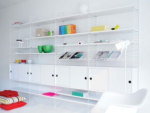Google Image Result for http://cdn.home-designing.com/wp-content/uploads/2010/10/White-living-room-color-accents-bookshelf.jpg