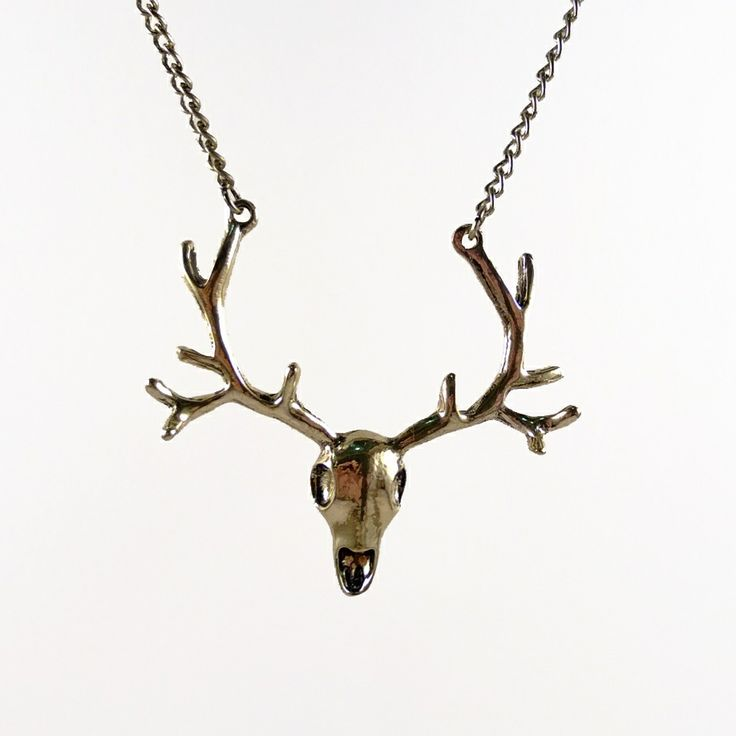 Mint Mouse - Trophy Stag Head.  Striking stag / deer skull necklace. Jewellery with a twist, a little quirky, a tad geeky, super cute or retro and vintage inspired.