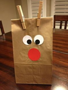 Could add paper antlers to the clothespins to make this an easy, usable, gift bag.