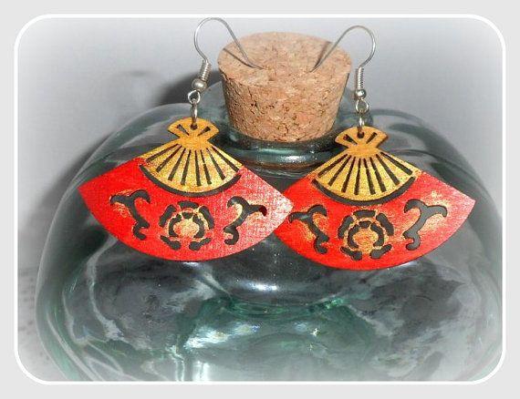 Red fan wooden earringswith silver sterling by CarmenHandCrafts, €5.00