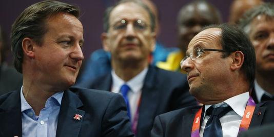Sondages contradictoires en France sur la sortie du Royaume-Uni de l'UE - François Hollande, ici avec le premier ministre David Cameron, a confirmé la coopération franco-britannique, lancée par son prédécesseur, Nicolas Sarkozy. | REUTERS/© Marko Djurica / Reuters
