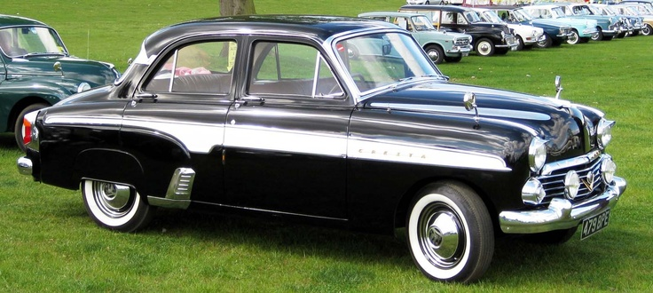 The Vauxhall Cresta E was produced from 1954 to 1957.