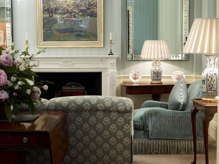 Relax in the drawing rooms of The Sloane Club