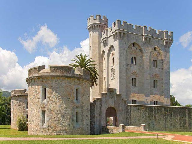 Castillo de Arteaga, Kortezubi, Vizcaya. País Vasco. Photo by cantabrico2007.