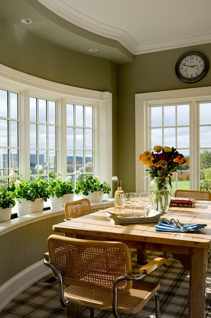 Breakfast Nook with Lots of windows overlooking lots of land!!!! Would love this!!!