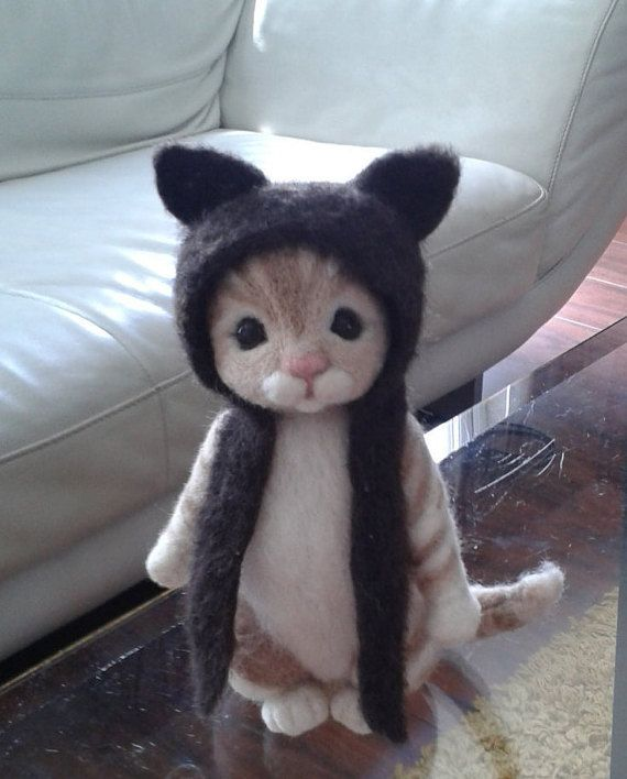 Cat with hat,  Animal, Needle felted Cat ,felted Kitten, felted Tabby cat ,needle felted pet gift