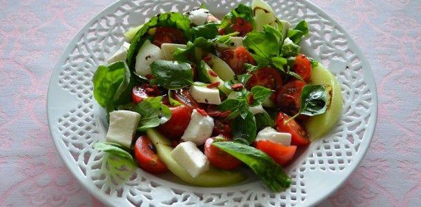 bookitsa.gr – σαλάτα με πεπόνι, ρόκα και μοτσαρέλα